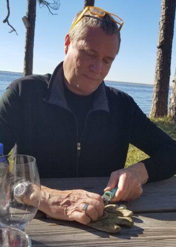 David shucks oysters